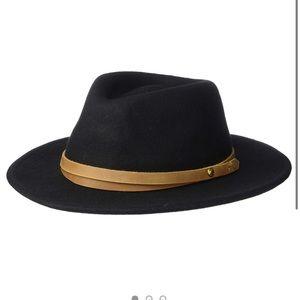 NWT Frye | black hat